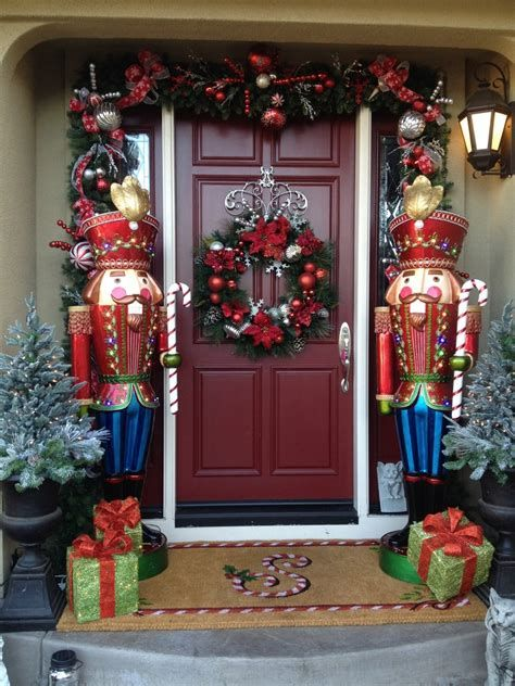 Most Popular Door Christmas Decor Ideas For Inspirations 22