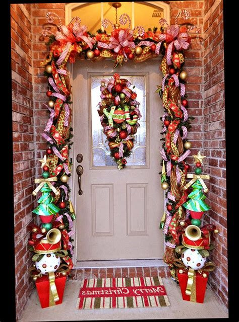 Most Popular Door Christmas Decor Ideas For Inspirations 29