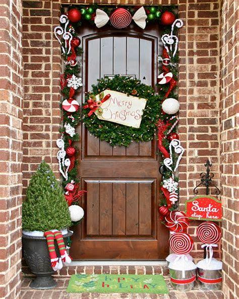Most Popular Door Christmas Decor Ideas For Inspirations 32