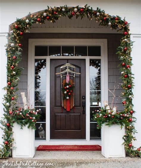 Most Popular Door Christmas Decor Ideas For Inspirations 35