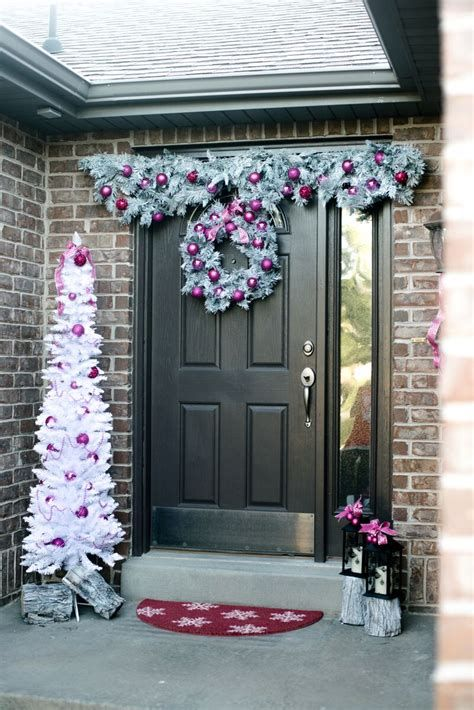 Most Popular Door Christmas Decor Ideas For Inspirations 38