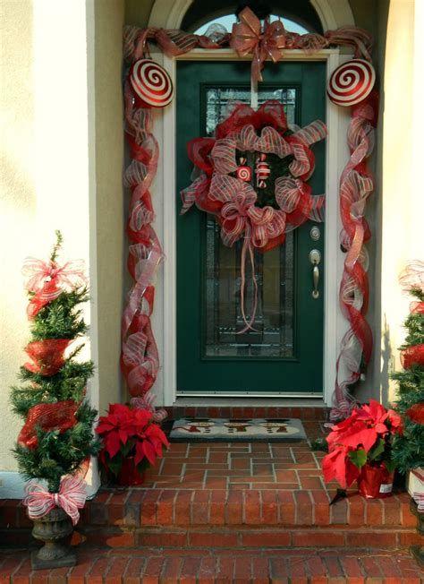 Most Popular Door Christmas Decor Ideas For Inspirations 39