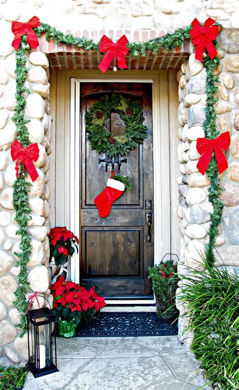 Most Popular Door Christmas Decor Ideas For Inspirations 44