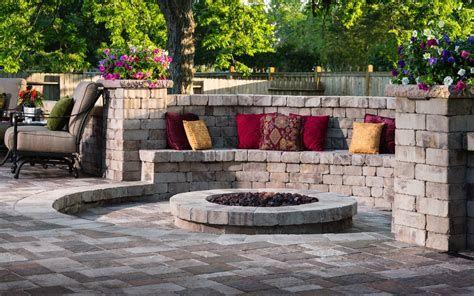 Perfect Fire Pit Design Ideas For Winter Season Decoration 12