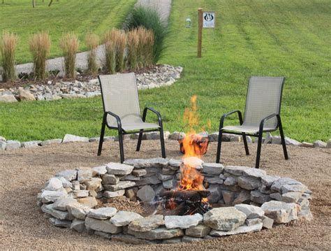 Perfect Fire Pit Design Ideas For Winter Season Decoration 13
