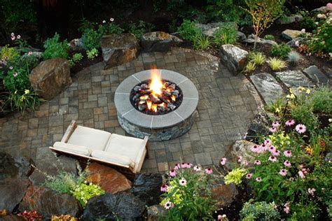 Perfect Fire Pit Design Ideas For Winter Season Decoration 15