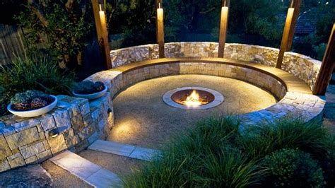 Perfect Fire Pit Design Ideas For Winter Season Decoration 22