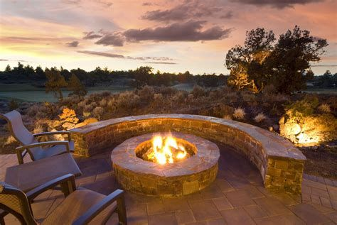Perfect Fire Pit Design Ideas For Winter Season Decoration 32