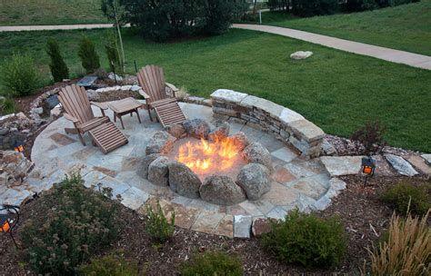 Perfect Fire Pit Design Ideas For Winter Season Decoration 38