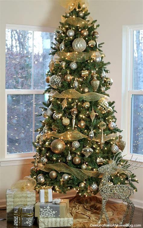 Stunning Christmas Tree Decorations Ideas For Inspiration 05