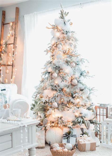 Stunning Christmas Tree Decorations Ideas For Inspiration 07