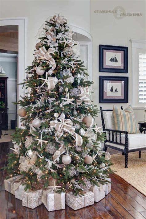 Stunning Christmas Tree Decorations Ideas For Inspiration 08