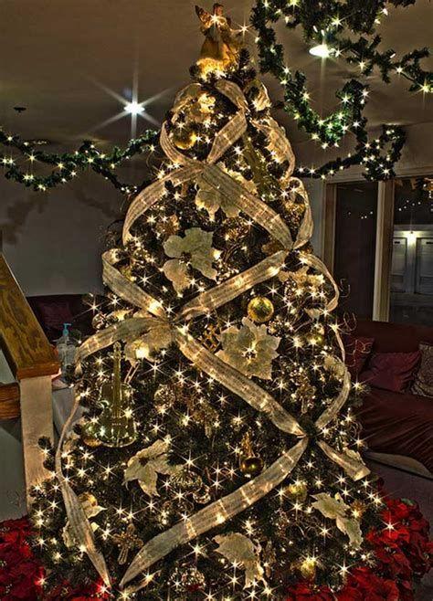 Stunning Christmas Tree Decorations Ideas For Inspiration 09