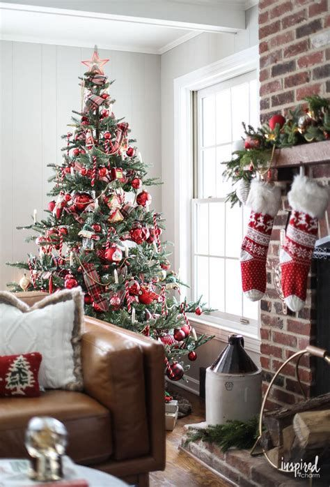 Stunning Christmas Tree Decorations Ideas For Inspiration 15