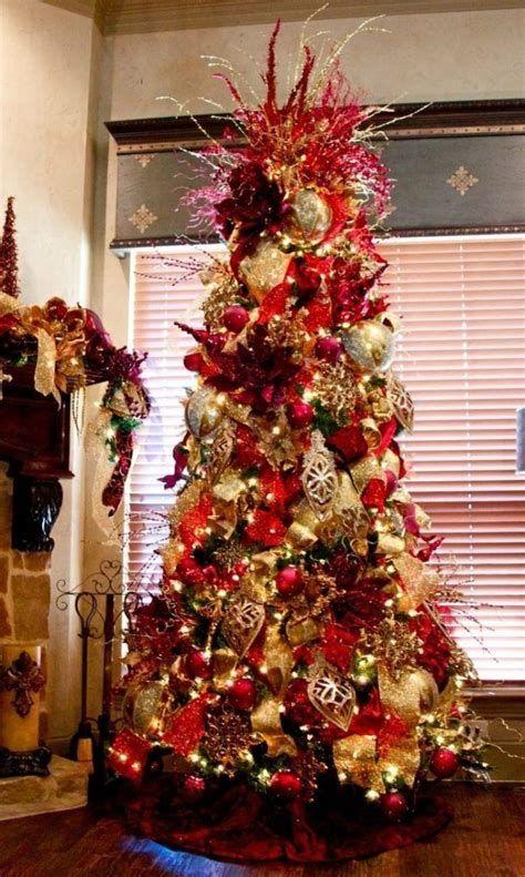 Stunning Christmas Tree Decorations Ideas For Inspiration 18
