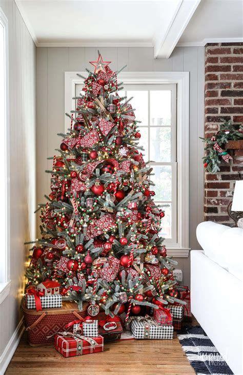 Stunning Christmas Tree Decorations Ideas For Inspiration 23