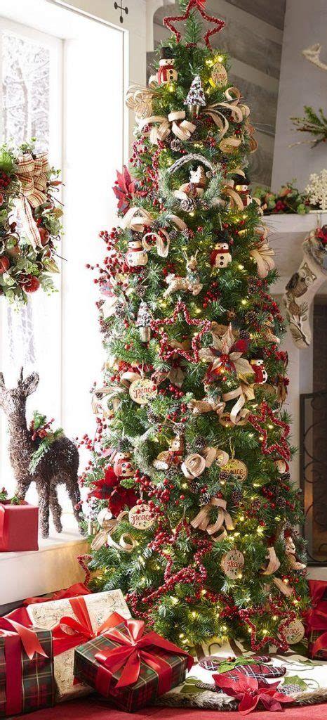 Stunning Christmas Tree Decorations Ideas For Inspiration 24