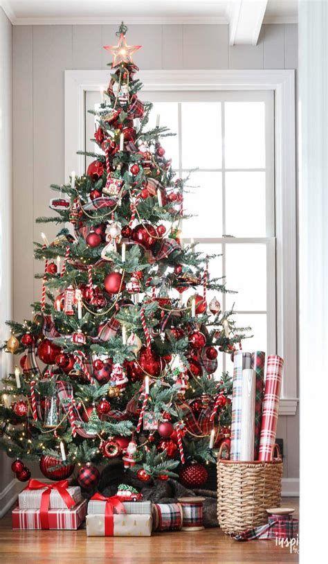 Stunning Christmas Tree Decorations Ideas For Inspiration 27