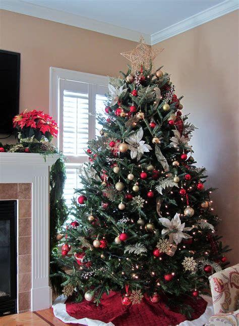 Stunning Christmas Tree Decorations Ideas For Inspiration 32