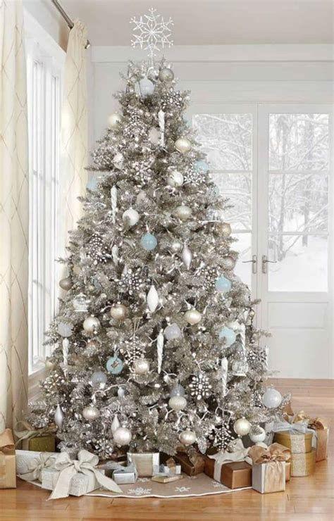 Stunning Christmas Tree Decorations Ideas For Inspiration 38
