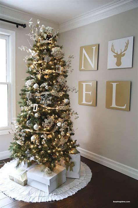 Stunning Christmas Tree Decorations Ideas For Inspiration 40