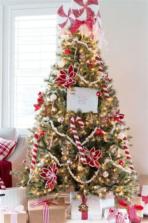 Stunning Christmas Tree Decorations Ideas For Inspiration 41