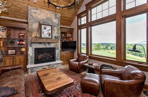 Warm Rustic Family Room Designs For The Winter 34