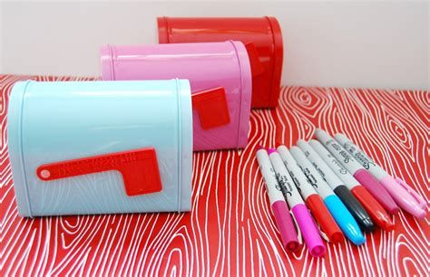 Adorable Valentine Mailbox Decorating Ideas Ideas 02