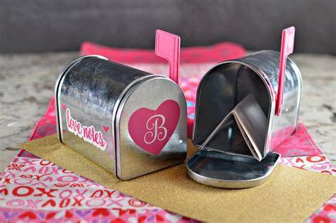 Adorable Valentine Mailbox Decorating Ideas Ideas 07