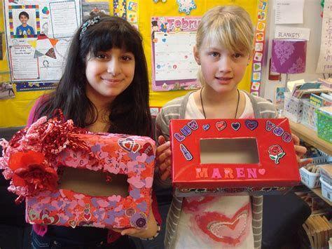 Adorable Valentine Mailbox Decorating Ideas Ideas 19