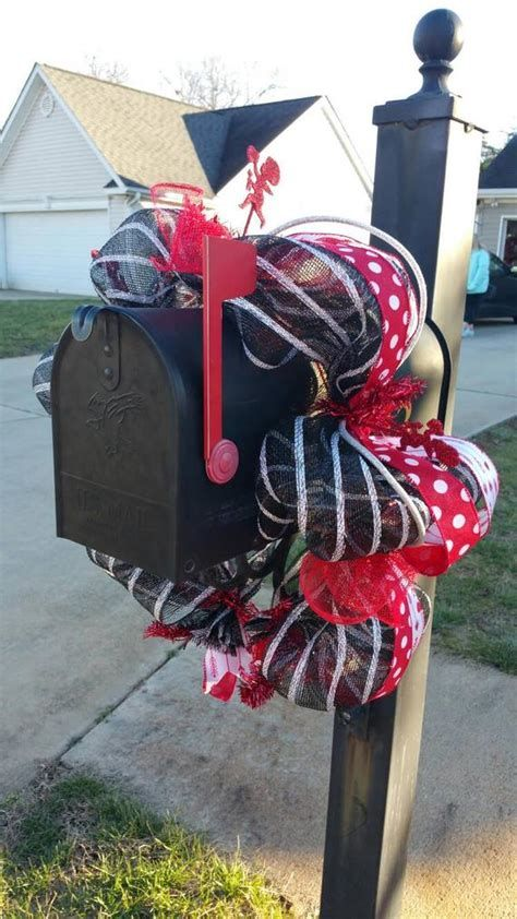 Adorable Valentine Mailbox Decorating Ideas Ideas 22