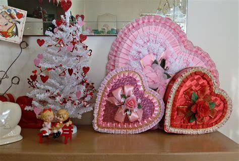 Adorable Valentine Mailbox Decorating Ideas Ideas 23