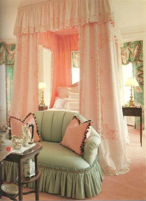 Amazing Romantic Shabby Chic Decorating Style Ideas 02