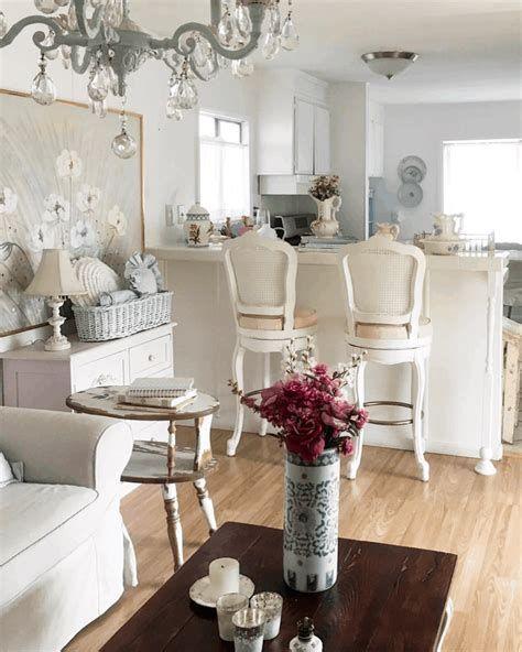 Amazing Romantic Shabby Chic Decorating Style Ideas 32