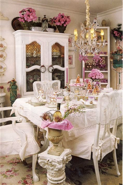 Amazing Romantic Shabby Chic Decorating Style Ideas 36