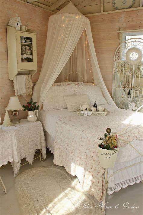 Amazing Romantic Shabby Chic Decorating Style Ideas 37