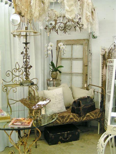 Amazing Romantic Shabby Chic Decorating Style Ideas 45