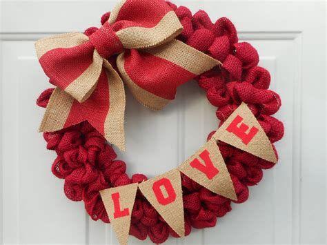 Awesome Burlap Valentine Decorations Ideas 01