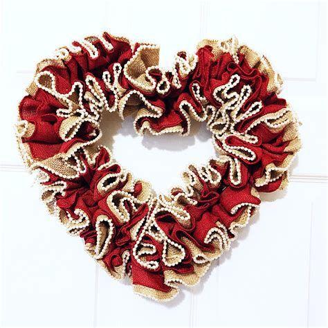 Awesome Burlap Valentine Decorations Ideas 03