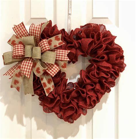 Awesome Burlap Valentine Decorations Ideas 12
