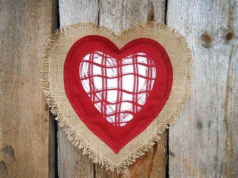 Awesome Burlap Valentine Decorations Ideas 13
