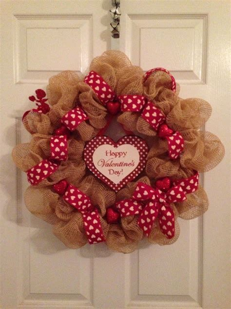 Awesome Burlap Valentine Decorations Ideas 17