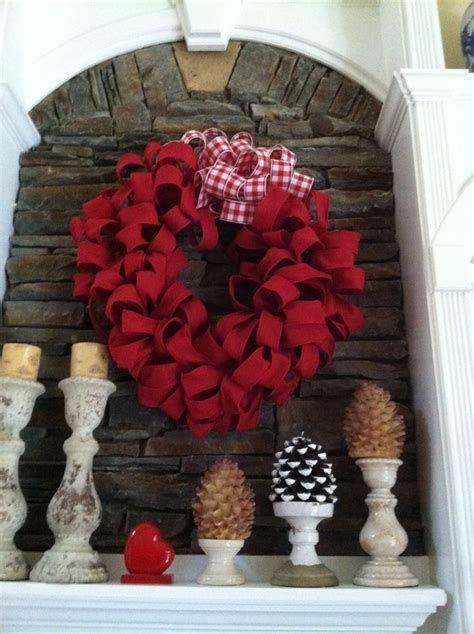 Awesome Burlap Valentine Decorations Ideas 22