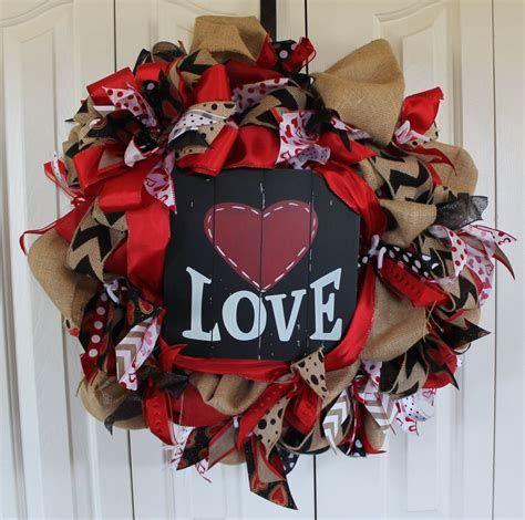 Awesome Burlap Valentine Decorations Ideas 23