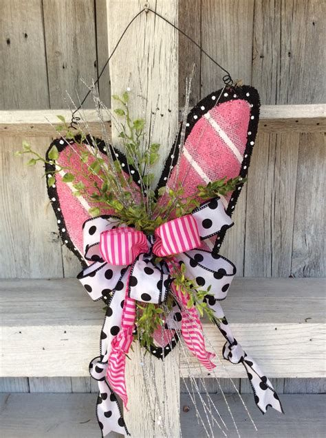 Awesome Burlap Valentine Decorations Ideas 26