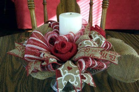Awesome Burlap Valentine Decorations Ideas 27