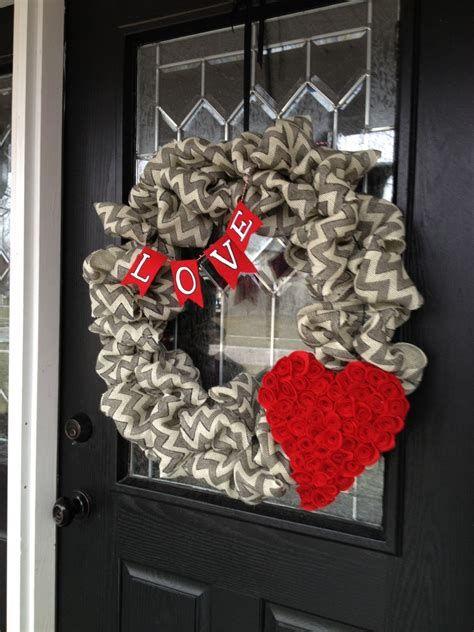 Awesome Burlap Valentine Decorations Ideas 28