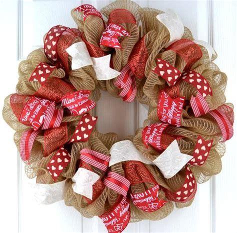 Awesome Burlap Valentine Decorations Ideas 31