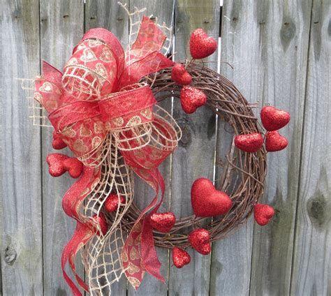Awesome Burlap Valentine Decorations Ideas 32