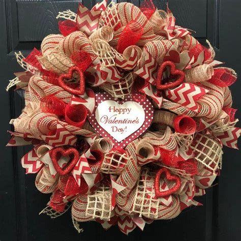 Awesome Burlap Valentine Decorations Ideas 33